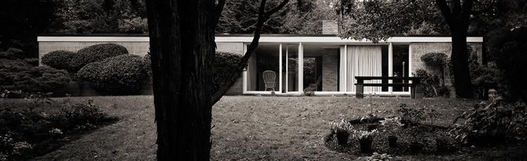 Philip Johnson�s first house, for Richard Booth, Bedford, NY, 1946. Robert Damora, Photographer, 1976